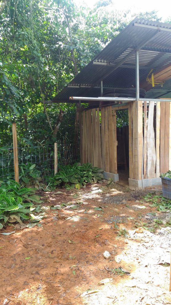 goat-house-DIY